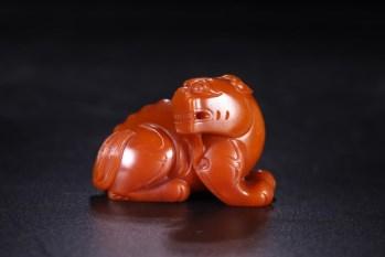 旧藏 黄玉瑞兽雕件-收藏网