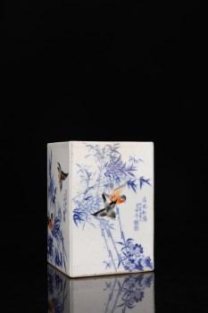 民国时期:【王步手绘青花花鸟四方笔筒】-收藏网