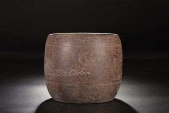 清代:紫泥山水纹花盆-收藏网
