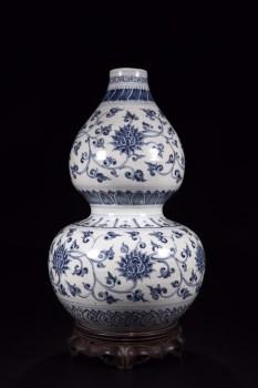 明代:青花缠枝花卉纹葫芦瓶-收藏网