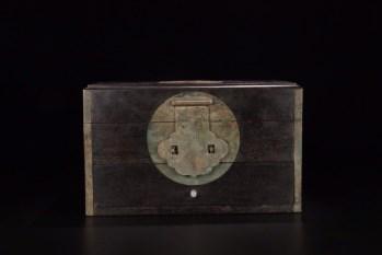 晚清:【小叶紫檀木文房书箱】 -收藏网