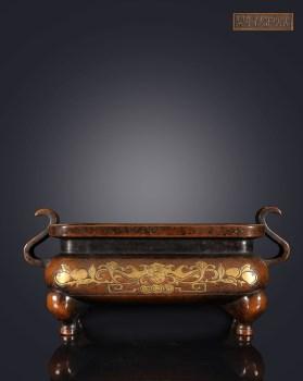 明 精铸铜胎鎏金福寿纹朝冠耳四方炉 -收藏网